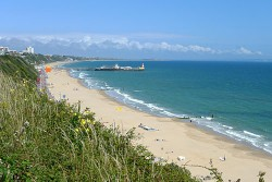 A beautiful scene of the sweeping beach at Bournemouth